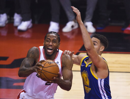 40b19d09914 The Latest: Parts of Toronto dealing with power outage. share; tweet; +1.  By The Associated Press. Toronto Raptors forward Kawhi Leonard ...