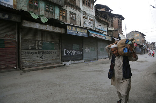 India plans massive hiring government drive in Kashmir
