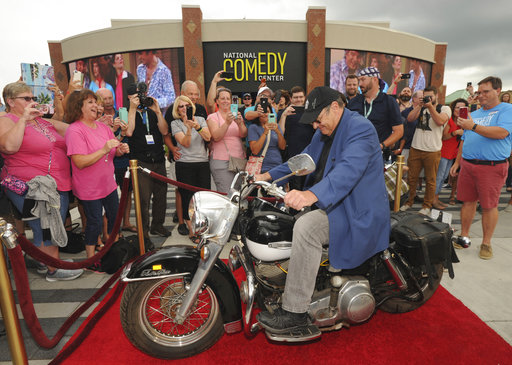 Aykroyd delivers motorcycle to National Comedy Center