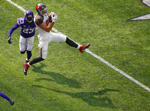 Terence Newman, Cameron Brate