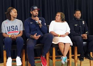 Carmelo Anthony, Tanika Catchings, Charisse Bremond Weaver, Bill Scott
