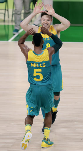 Patty Mills, Matthew Dellavedova