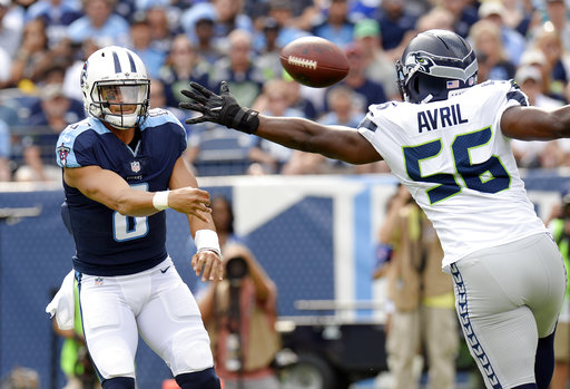 Marcus Mariota, Cliff Avril