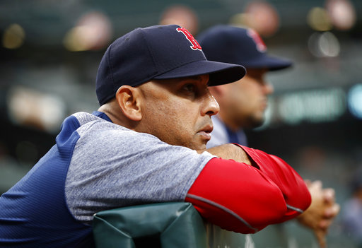 37ed8b67a3484 Cora gets new deal from Red Sox through 2021 season ...