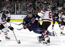 Hilary Knight, Lauriane Rougeau