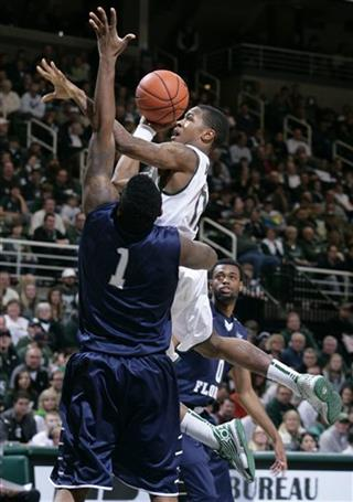 Keith Appling, Travis Wallace