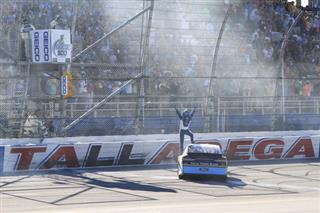 Ricky Stenhouse Jr. (17)