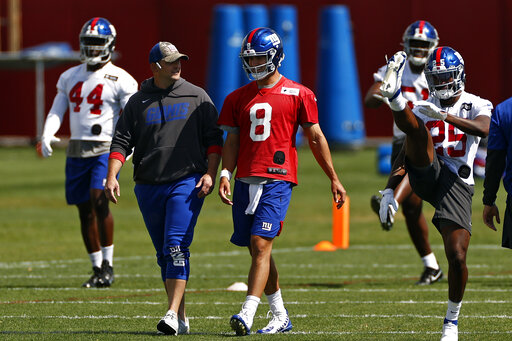 Giants Minicamp: Barkley continues knee out of sight.   AccessWDUN.com
