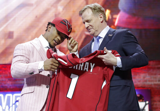 89d443cd08bf32 Cardinals create glut at quarterback by selecting Murra ...