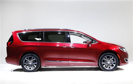 8 2016 Photo Shows The 2017 Chrysler Pacifica In Auburn Hills Mich 1983 Invented Minivan Now It S Reinventing And Hoping Ier
