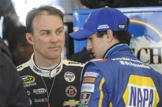 Kevin Harvick, Chase Elliott, Folds of Honor Quicktrip 500