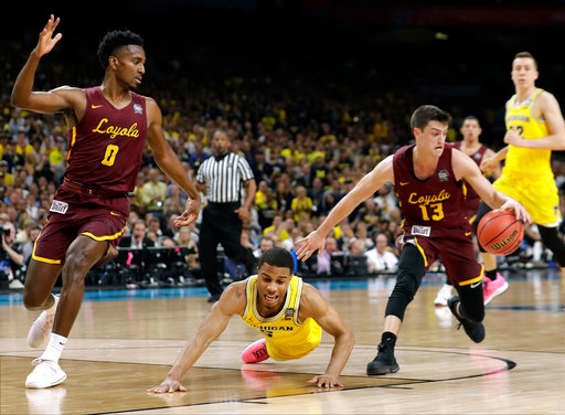 fb9ff23ab37f NCAA Latest  Loyola-Chicago ends long shooting drought