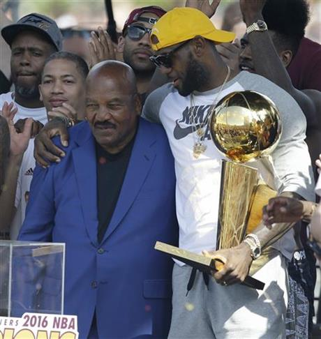 LeBron James, Jim Brown