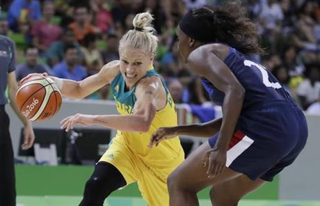 Erin Phillips, Laetitia Kamba